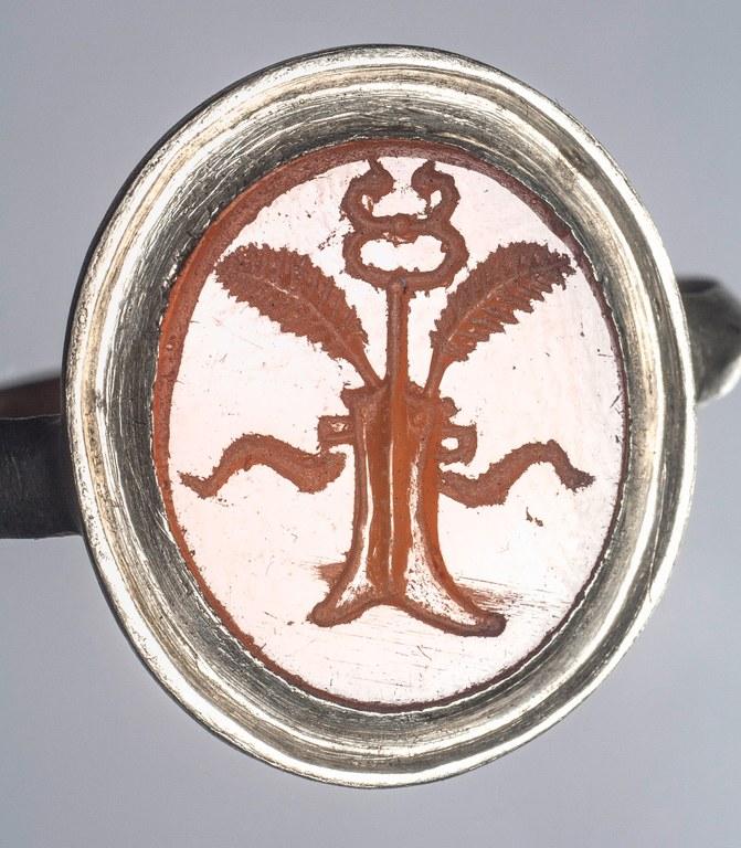 Gem Engraved with Rudder (Ascendant)