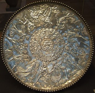 """Image of the """"Great Dish"""" from the Mildenhall Treasure"""
